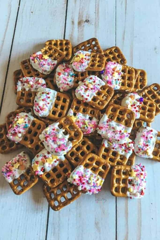 Easy Unicorn Pretzels Party Snack with White Chocolate