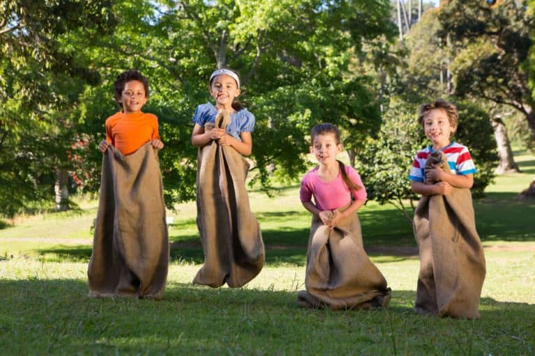 15 Fall Party Games for Kids: Fun Activities for Fall Parties